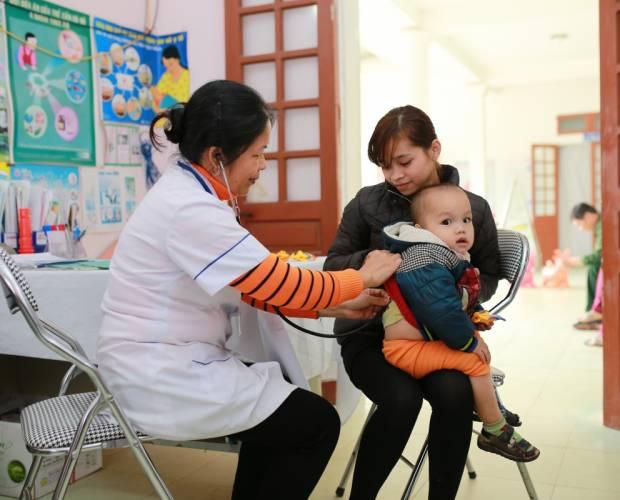 Ưu tiên chăm sóc sức khoẻ bà mẹ tại nông thôn Việt Nam