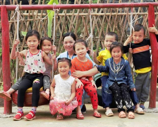 Xây dựng sân chơi sử dụng vật liệu tái chế ở Việt Nam