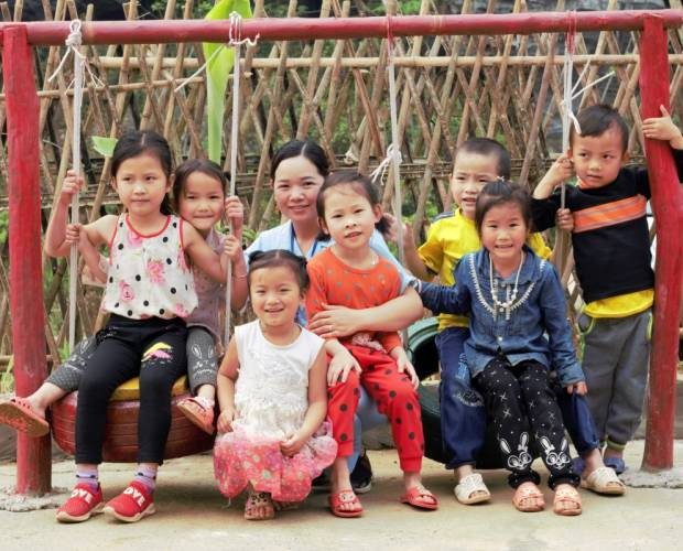 Vietnam schools make recycling child's play