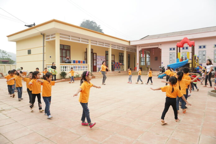 children-doing-warmup