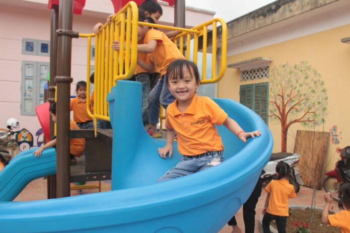 Linh-playing-slide